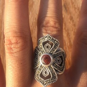 Sliver ring with red stone 925.